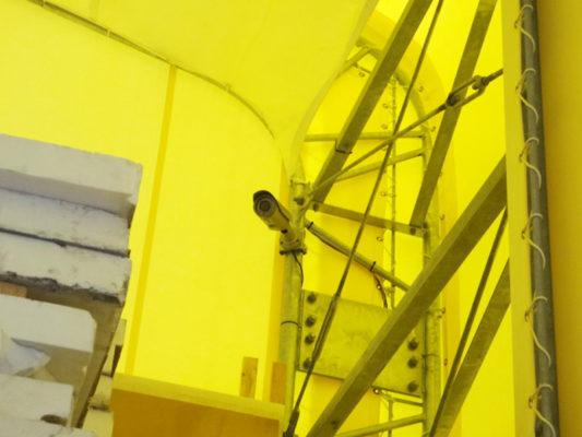 テント内に防犯カメラ設置